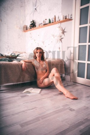 Laurence-marie happy ending massage and live escort