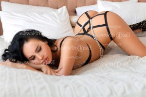 Halia escort girl & erotic massage
