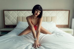 Modesta call girl & thai massage